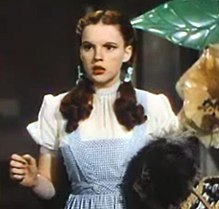 220px-Judy_Garland_in_The_Wizard_of_Oz_trailer_2